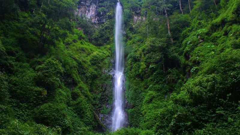 Air Terjun Coban Rais wisata terbaru di Malang