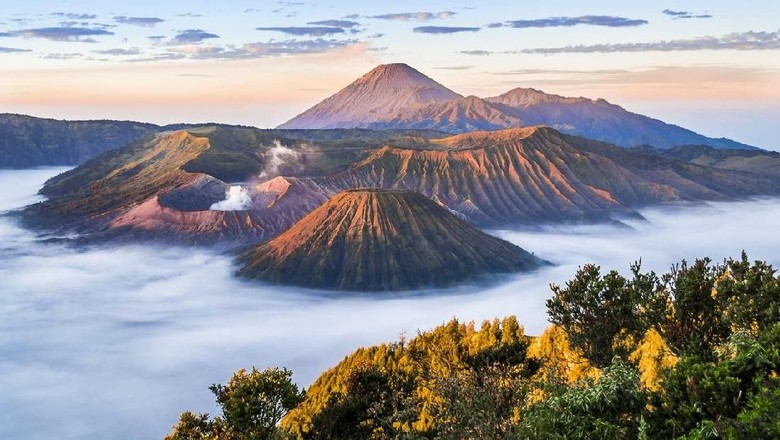 Panorama Alam Gunung Bromo yang menarik